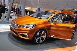 BMW M4 Concept Actove Tourer Outdoor