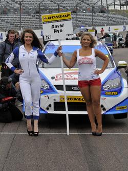 Welch Motorsport Grid Girls