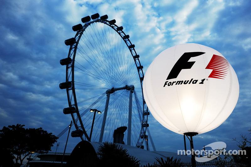 新加坡围场景色-F1灯笼与新加坡摩天轮