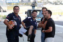 (esquerda para direita) Dominik Greiner, BMW 320 TC, PB Racing, e Darryl O'Young, BMW E90 320 TC, ROAL Motorsport