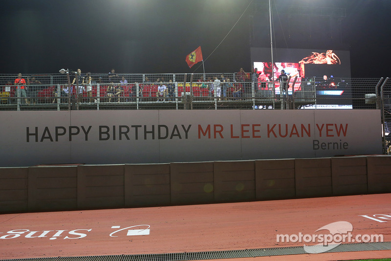 A banner from Bernie Ecclestone, CEO Formula One Group, wising Lee Kuan Yew, Politician a Happy Birthday
