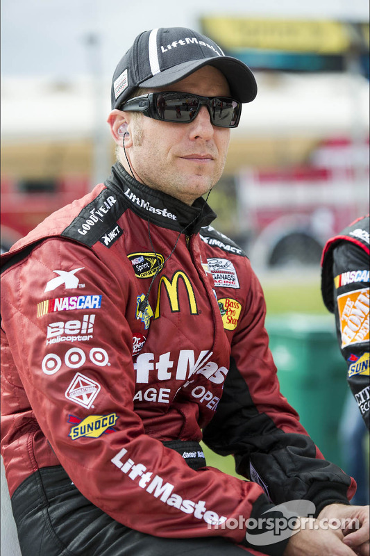 Jamie McMurray, Earnhardt Ganassi Racing Chevrolet em apuros