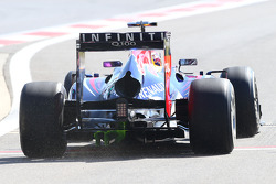Sebastian Vettel, Red Bull Racing RB9 with flow-vis paint on the rear diffuser