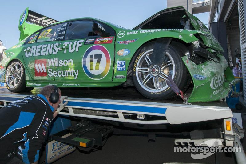 Schade aan de auto van Chaz Mostert en Dale Wood