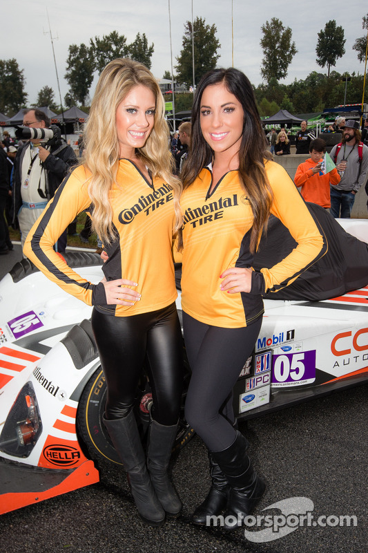 Charming Continental Tire girls