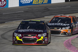 Jeff Gordon, Hendrick Motorsports Chevrolet takes the win