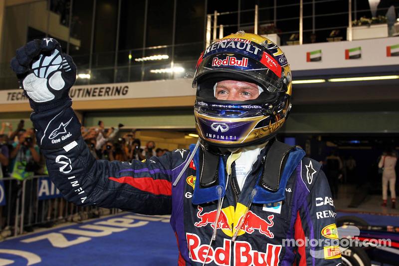 """2013 - Sebastian Vettel, Red Bull (<a href=""""http://fr.motorsport.com/f1/photos/main-gallery/?r=23205"""">Galerie</a>)"""