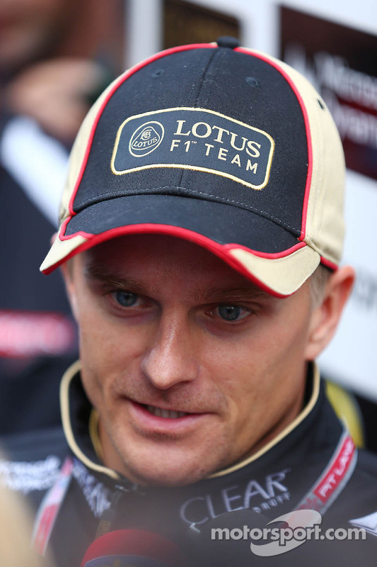 Heikki Kovalainen, Lotus F1 Team com a imprensa
