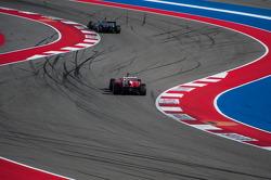 Lewis Hamilton, Mercedes AMG F1 W04 y Felipe Massa, Ferrari F138
