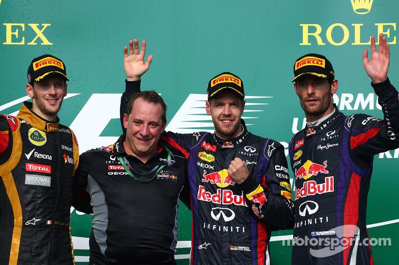 Podio: ganador de la carrera Sebastian Vettel, Red Bull Racing; segundo lugar Romain Grosjean, Lotus