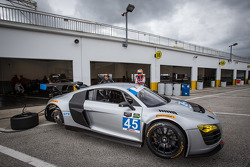 #45 Flying Lizard Motorsports Audi R8