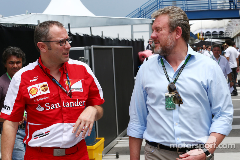 (L naar R): Stefano Domenicali, Algemeen Directeur Ferrari met Richard Goddard, Manager van Paul di Resta, Sahara Force India F1 en Jenson Button, McLaren