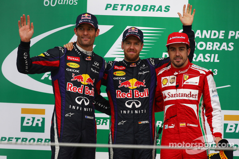 1e plaats Sebastian Vettel, Red Bull Racing, 2e plaats voor Mark Webber, Red Bull Racing en 3e plaats voor Fernando Alonso, Ferrari