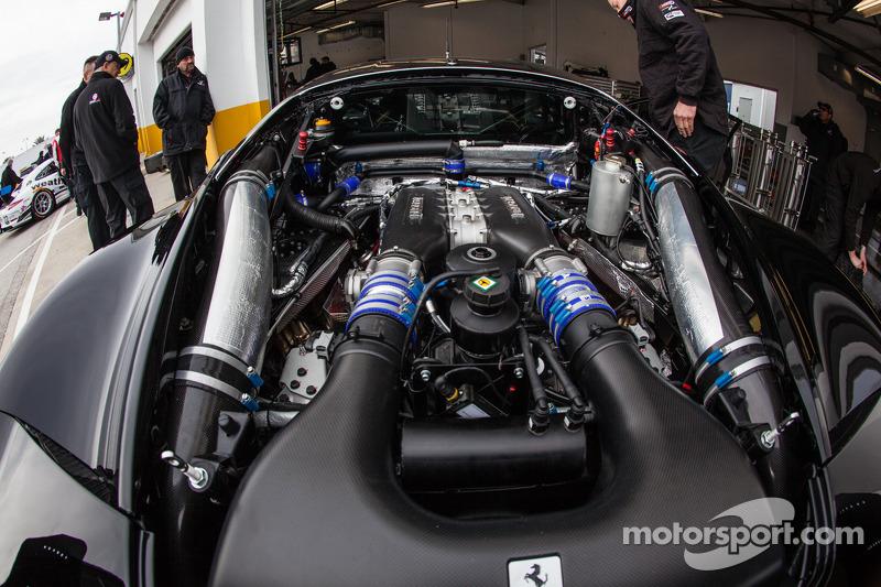 #555 Level 5 Motorsports 法拉利 458 Italia 引擎