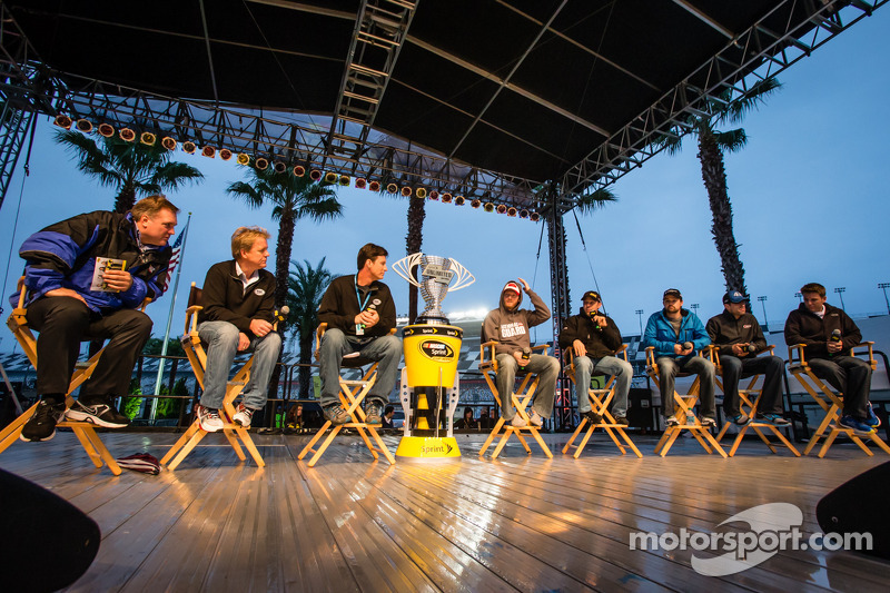 Pilot forum: Dale Earnhardt Jr., Hendrick Motorsports Chevrolet, Matt Kenseth, Joe Gibbs Racing Toyo