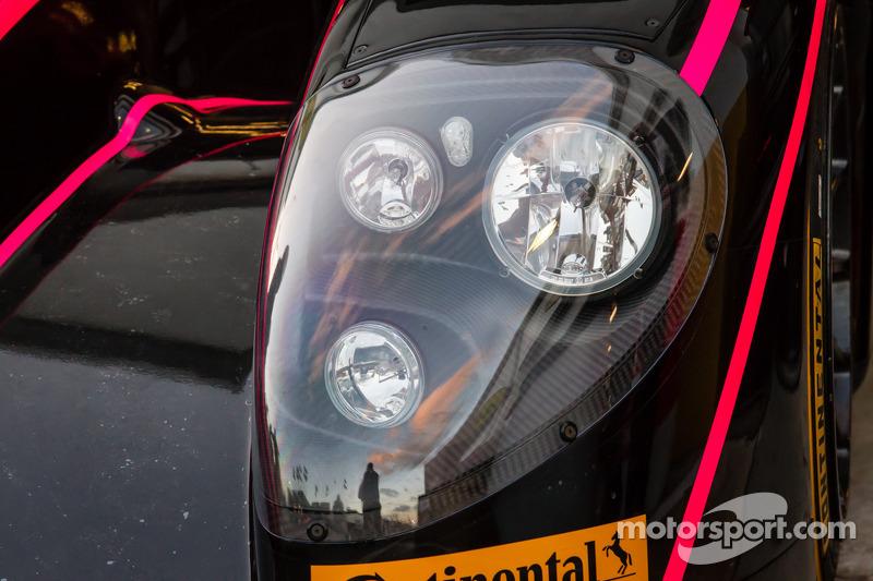 #42 OAK Racing 摩根 日产 头灯