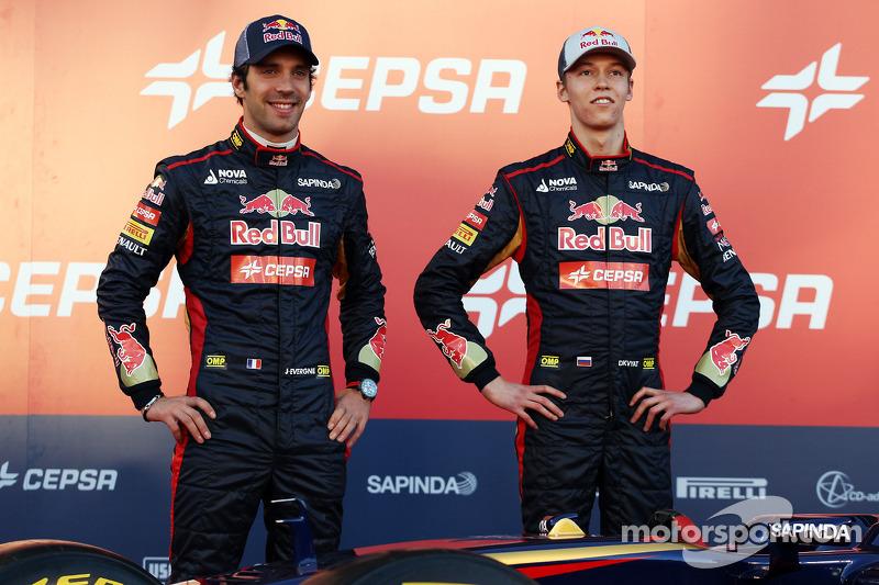 (L to R): Jean-Eric Vergne, Scuderia Toro Rosso with team mate Daniil Kvyat, Scuderia Toro Rosso at the unveiling of the Scuderia Toro Rosso STR9