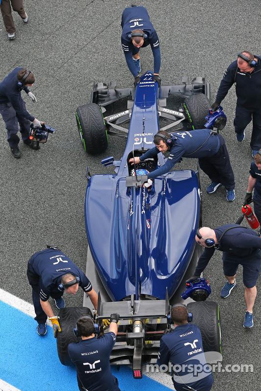 Valtteri Bottas, Williams FW36 nos pits