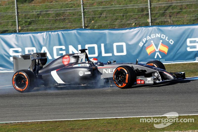 Adrian Sutil, Sauber C33 locks up under braking