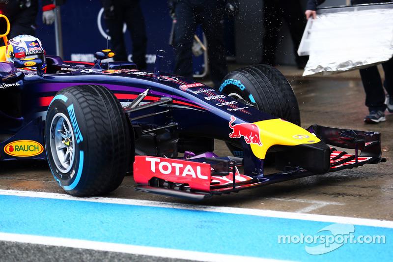 Daniel Ricciardo, Red Bull Racing RB10 ön kanat ve burun detayı