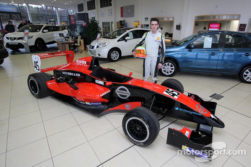 Colin Noble Jr. ve Formula Renault aracı
