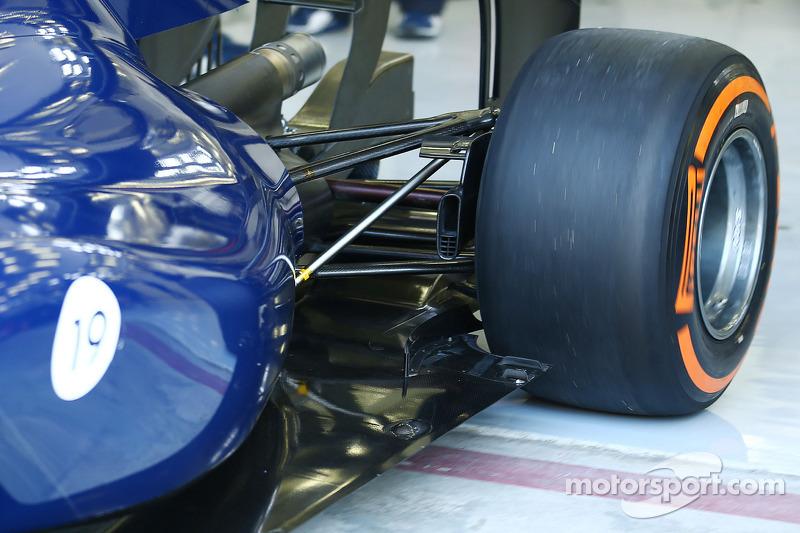 Williams FW36 sospensione posteriore dettaglio