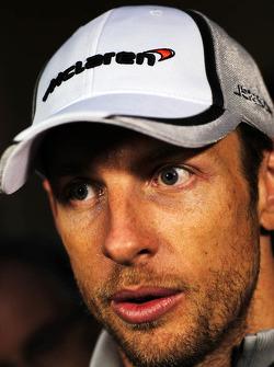 Jenson Button, McLaren, mit der Prese