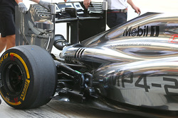 McLaren MP4-29 rear suspension and engine cover detail