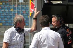 红牛赛车运动顾问、运动总监赫尔穆特·马尔科