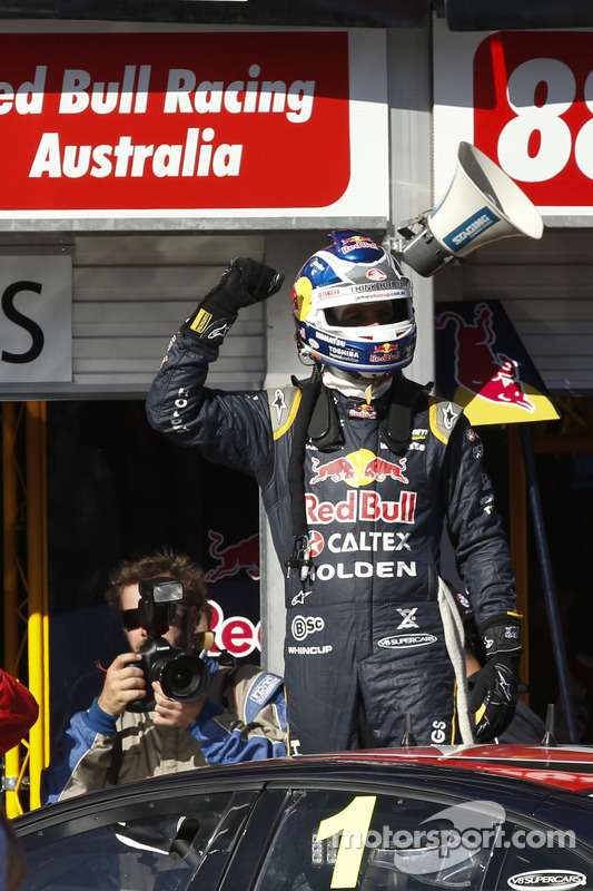 Vencedor da corrida Jamie Whincup, Red Bull Holden