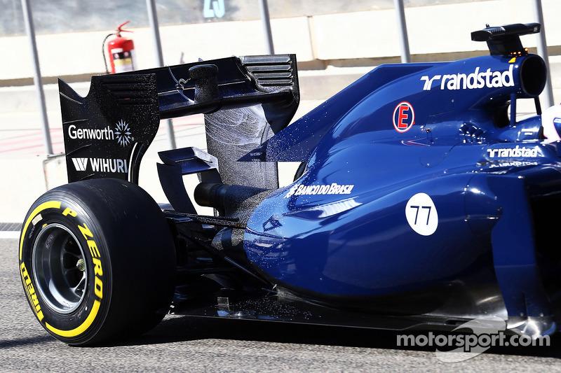 Valtteri Bottas, Williams FW36 con la vernice flow-vis sull'ala posteriore