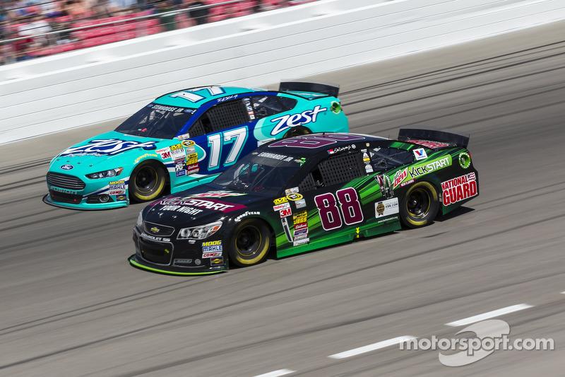 Dale Earnhardt Jr. ve Ricky Stenhouse Jr.