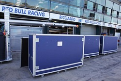Container della Red Bull Racing in pitlane