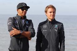 Lewis Hamilton, Mercedes AMG F1 and team mate Nico Rosberg, Mercedes AMG F1 W05 on the beach
