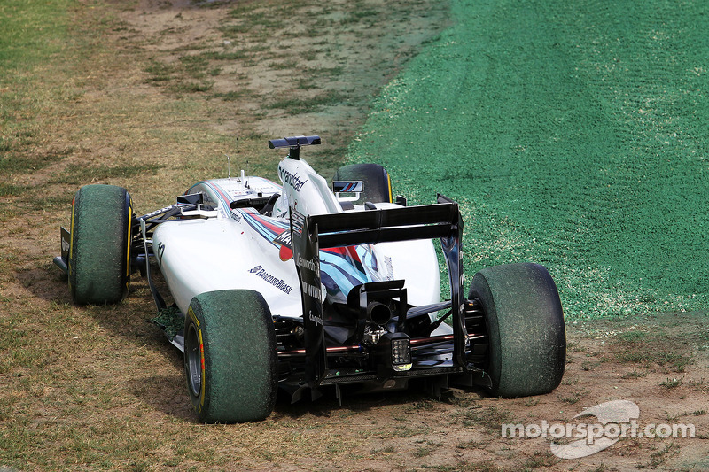 La Williams FW36 di Felipe Massa, Williams, è uscito alla partenza della gara