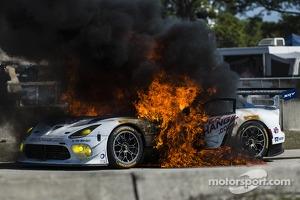 Major fire for the #33 Riley Motorsports SRT Viper GT3-R