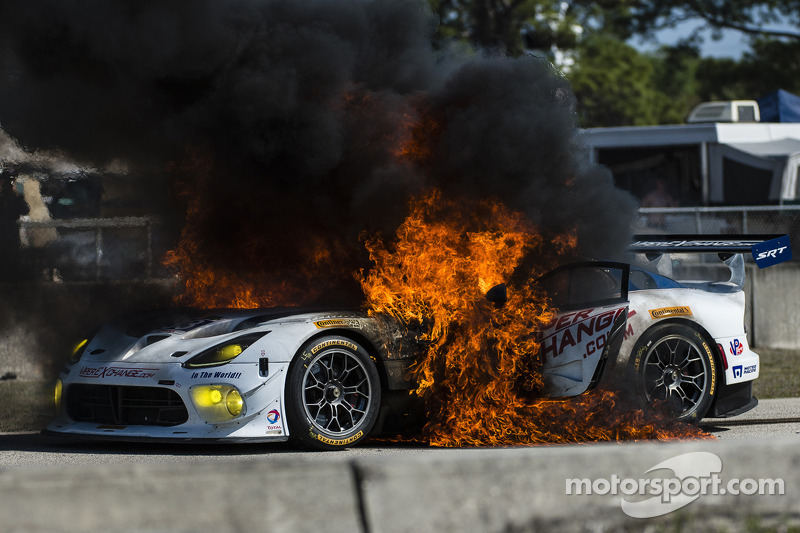 Major fire for the #33 Riley Motorsports SRT Viper GT3-R