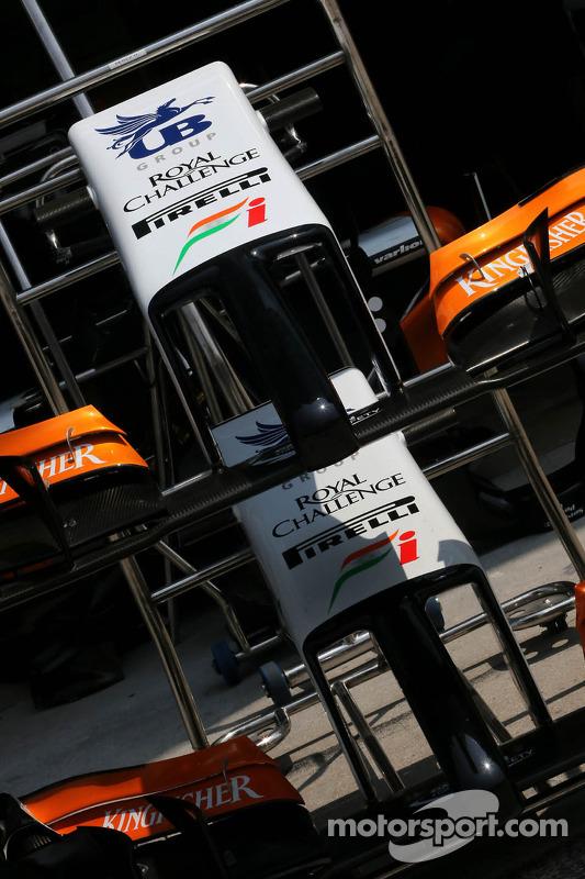Sahara Force India Formula One Team asa dianteira