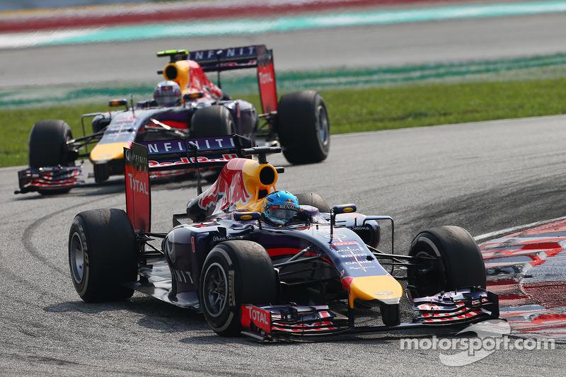 Sebastian Vettel, Red Bull Racing RB10 y Daniel Ricciardo, Red Bull Racing