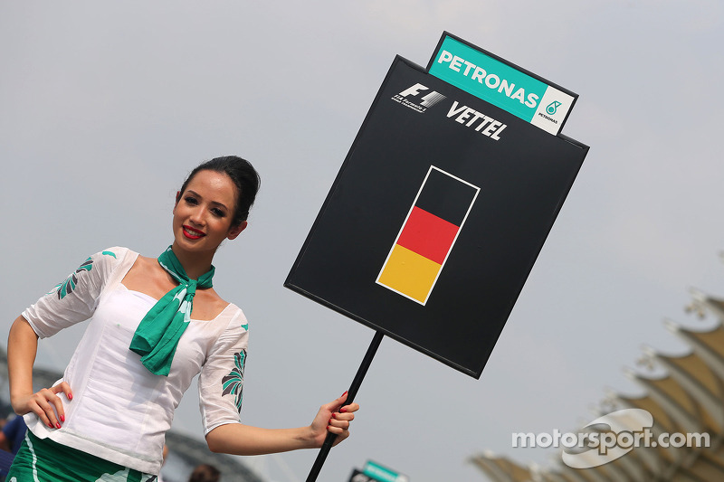 Sebastian Vettel (GER), Red Bull Racing, grid girl 30