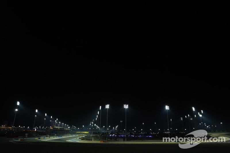 Il circuito sotto i fari di notte