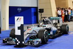 Race winner Lewis Hamilton, Mercedes AMG F1 W05 in parc ferme