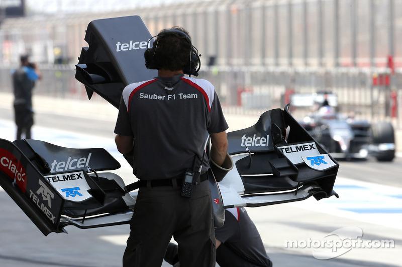 Sauber F1 Team mecânico, Sergey Sirotkin, test driver, Sauber F1 Team