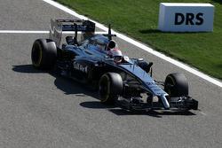 Kevin Magnussen, McLaren F1, DRS