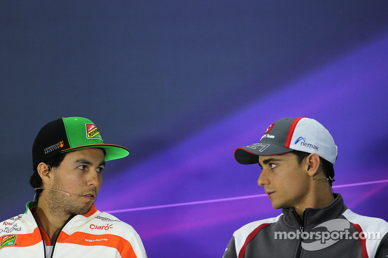 Sergio Perez, Sahara Force India, e Esteban Gutierrez, Sauber F1 Team, alla conferenza stampa