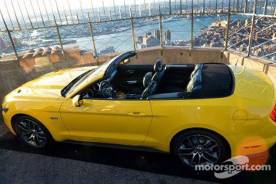 Ford Mustang'in 50. yılını kutluyor