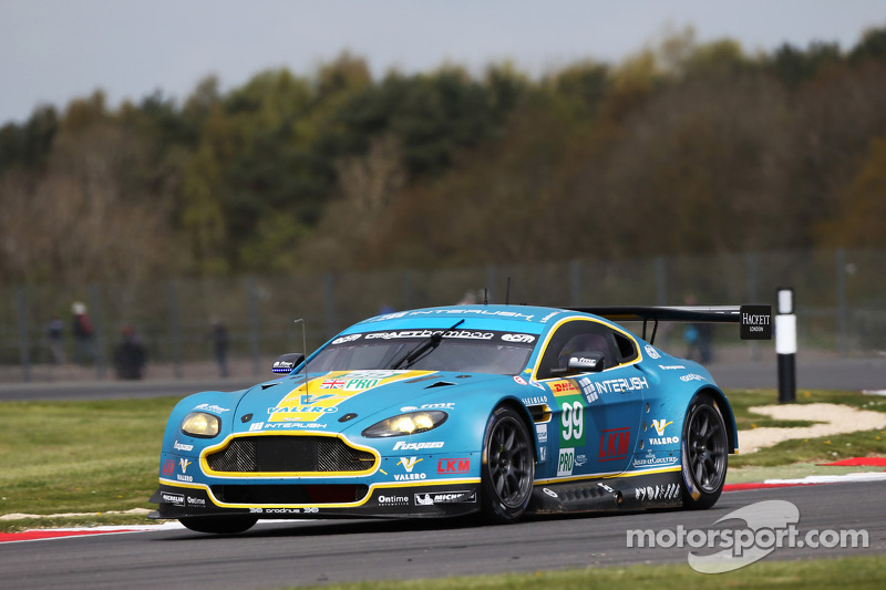 #99 Aston Martin Vantage V8: Alex MacDowall, Darryl O'Young, Fernando Rees