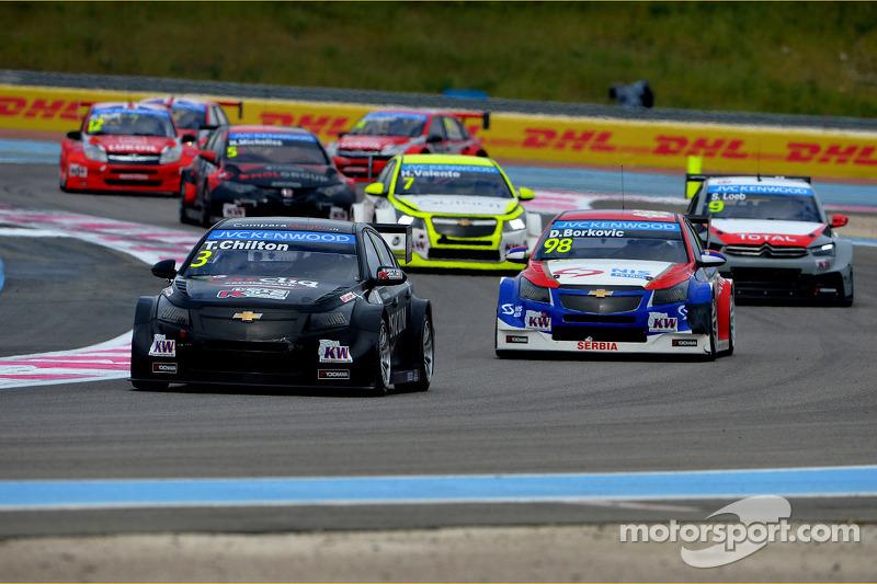Tom Chilton, Chevrolet Cruze RML TC1, ROAL Motorsport e Dusan Borkovic, Chevrolet Cruze RML TC1, NIS Petrol da Campos Racing
