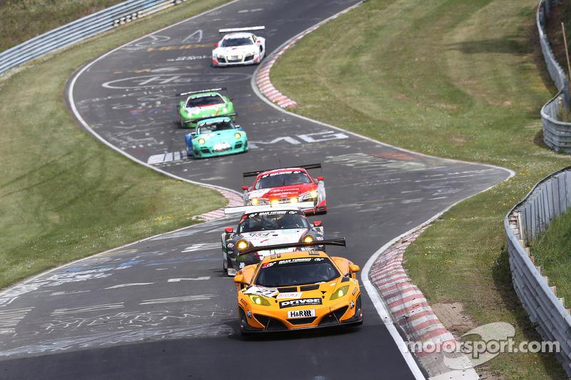 凯文·埃斯特雷,鲁迪·亚当斯,阿莫·克拉森,多尔车队,迈凯轮MP4-12C GT3