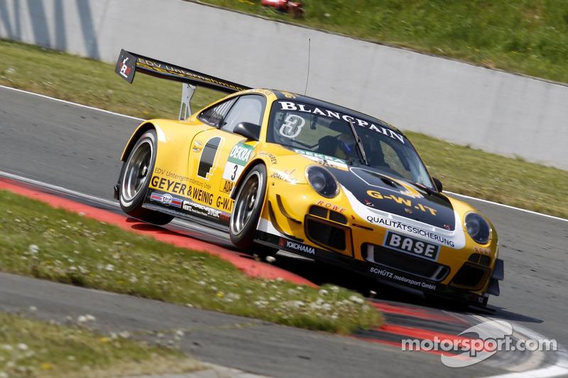 #3 GW IT Racing Team Schütz Motorsport Porsche 911 GT3 R: Christian Engelhart, Jaap van Lagen